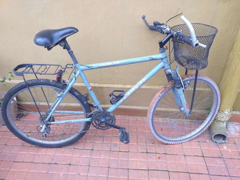 Vendo Mountain bike rodado 26 con cambios
