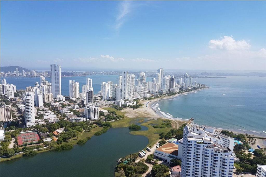 Apartamento En Venta En Cartagena El Laguito Cod: 10493
