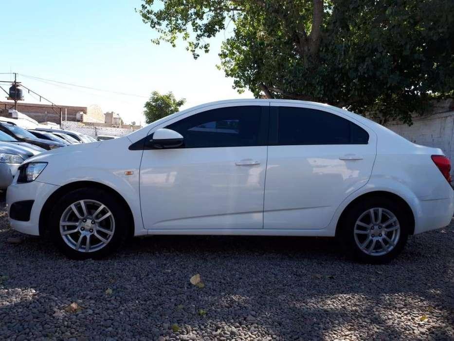 Chevrolet Sonic 2013 - 80000 km