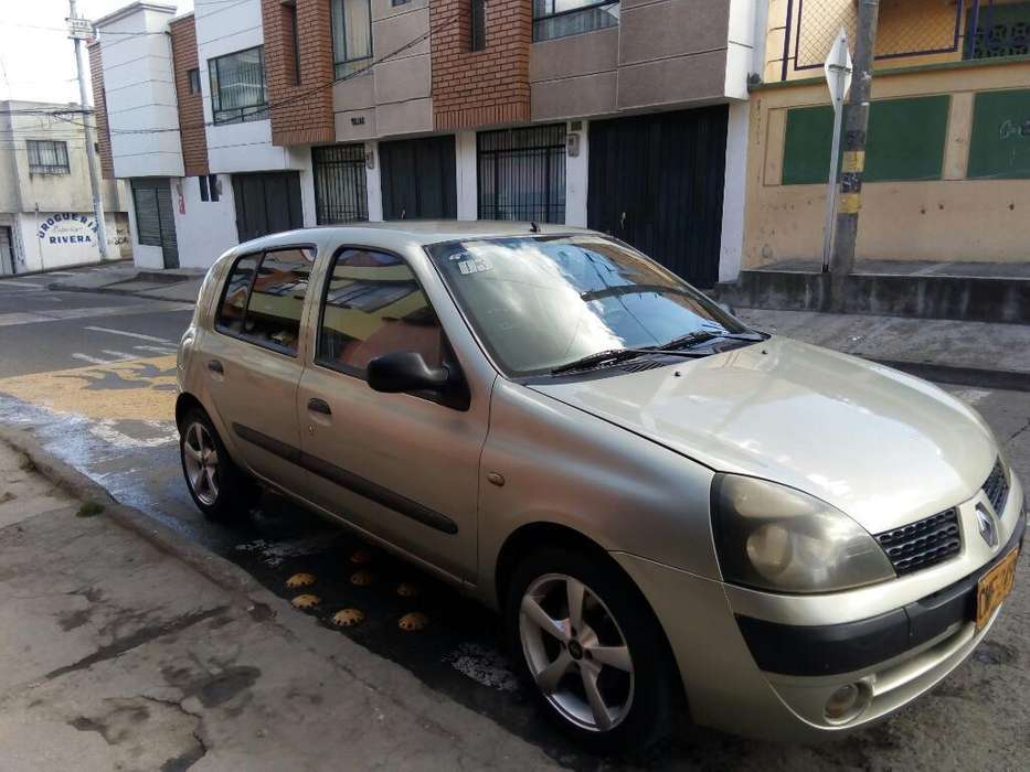 Renault Clio  2005 - 160 km
