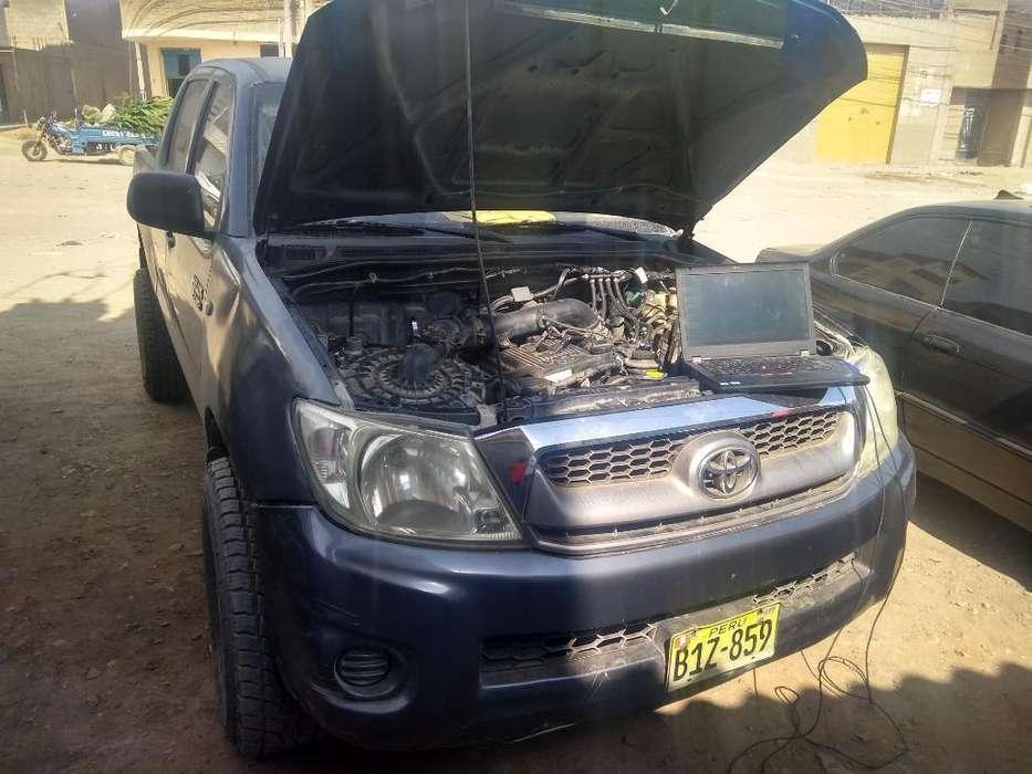 Toyota Hilux 2010 - 140000 km