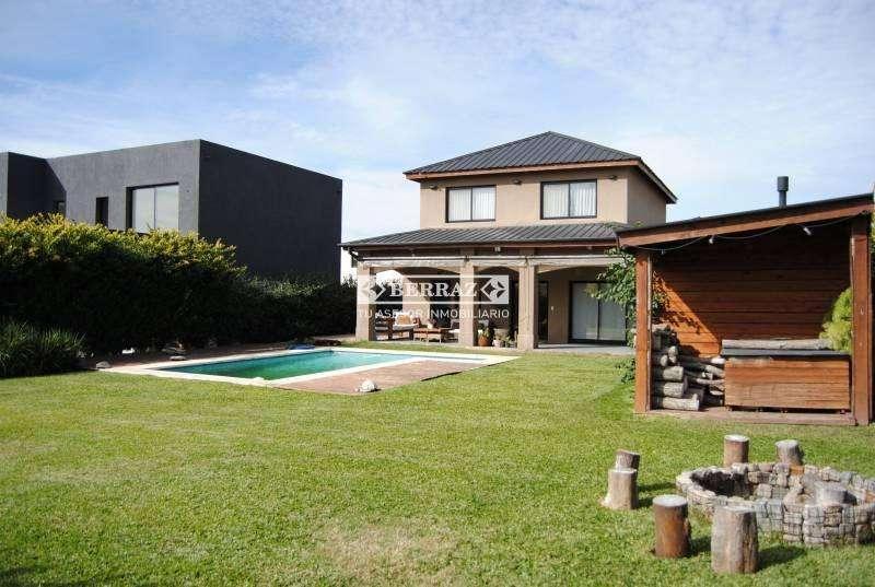 RETASADA! Casa en venta en Pilar del Este