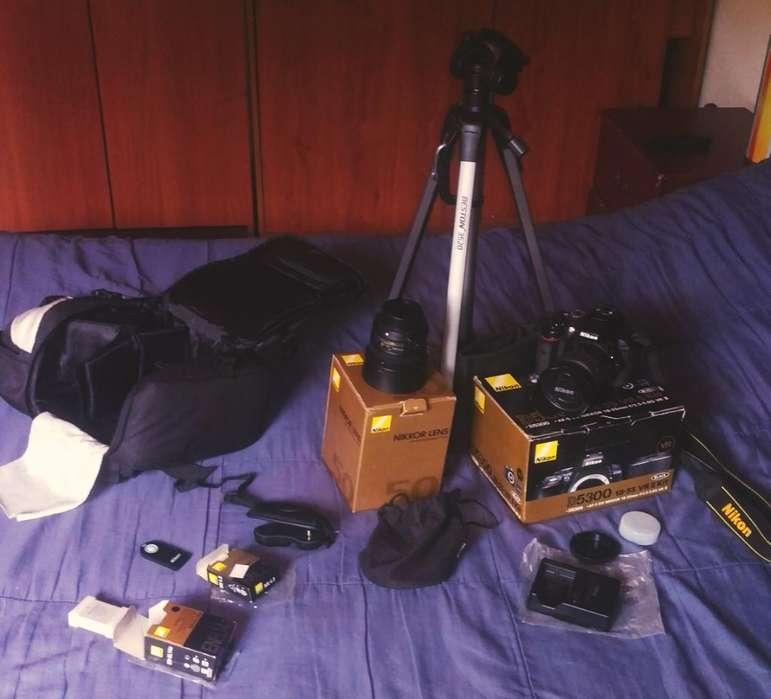 Nikon D5300 Super Combo