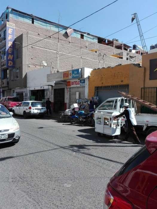 REMATO LOCAL COMERCIAL COMO TERRENO, ESPECIAL PARA NEGOCIOS RESTAURANT, COMERCIAL Y DE SERVICIOS.