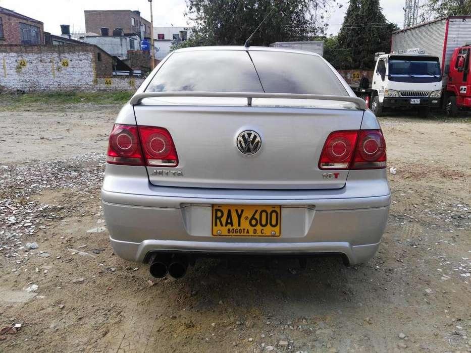 Volkswagen Jetta 2010 - 84000 km