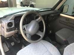 Toyota Land Cruiser 76