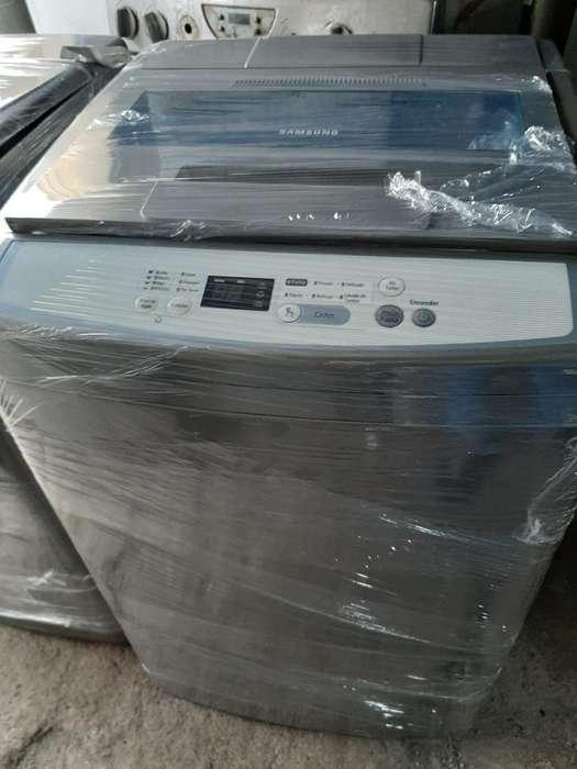 Lavadora Samsung de 18 Estufa de Gabin
