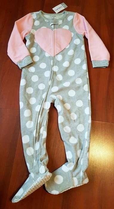 Pijama enterito Carters. Talle 4 años. NUEVO
