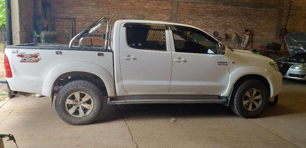 <strong>toyota</strong> Hilux 2010 - 174000 km