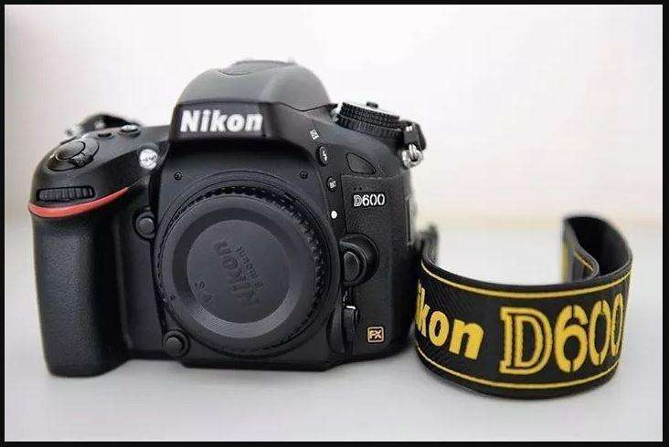 Camara Nikon D600 Full Frame Grip Like A New