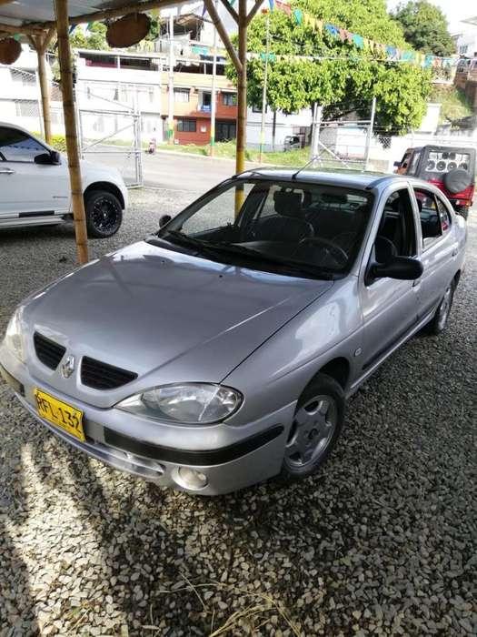 Renault Megane  2001 - 245000 km