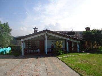 Venta de casa en urbanización cerrada ubicada en sector de Tumbaco
