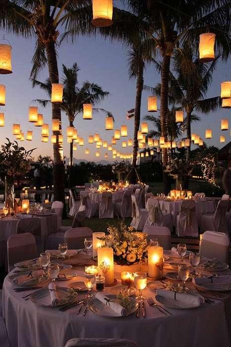 Ambientacion con luces de feria, luces de mercado, luces de pueblo para bodas en Cartagena