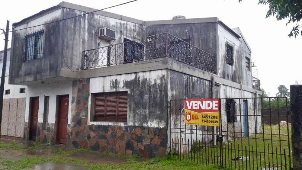 Casa 3 dormitorios con Departamento independiente en Planta Alta