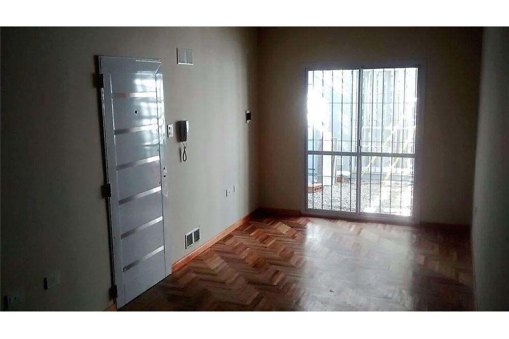 Se vende Dpto. 1 dorm. con Patio BObservatorio