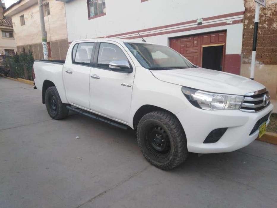 Toyota Hilux 2016 - 50000 km
