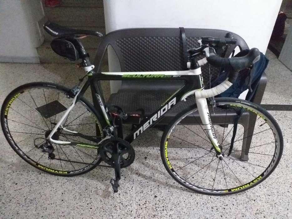 Bicicleta de Ruta Merida Toda en Carnono