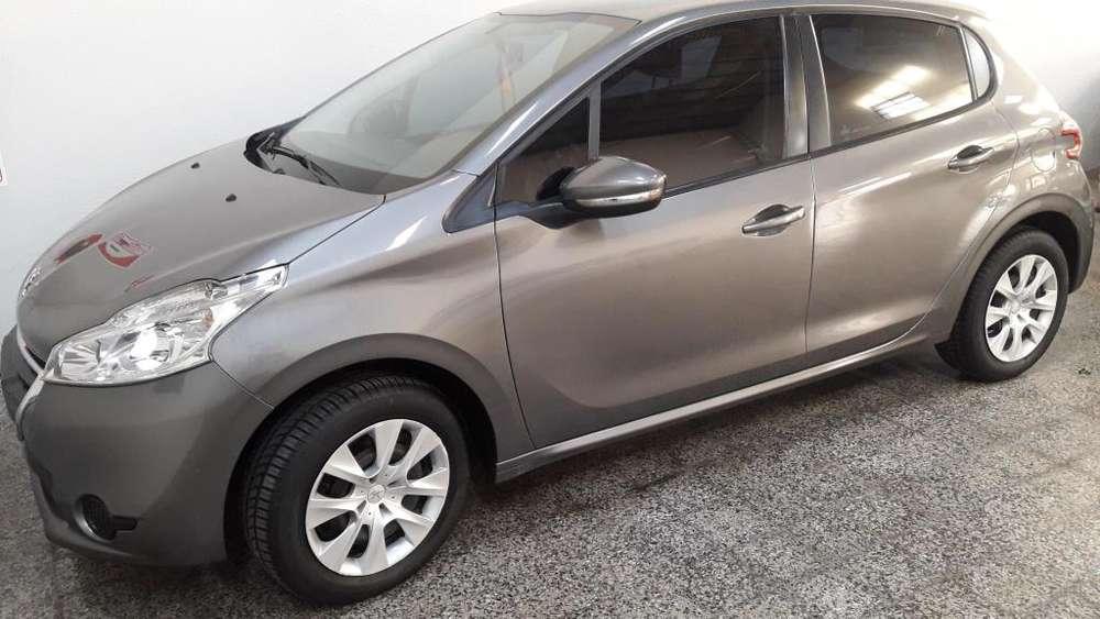 Peugeot 208 2015 - 72000 km