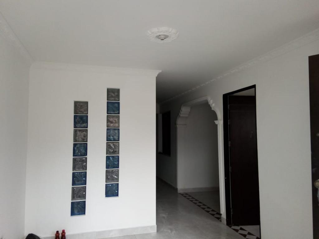 Vendo Buena Casa 2do Piso en Las Brisas