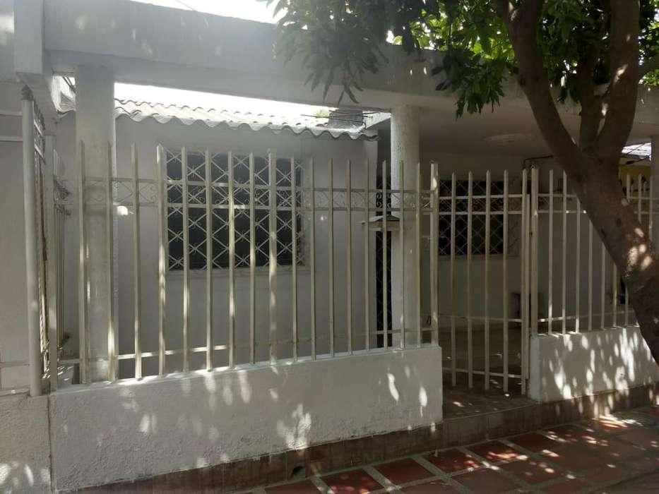 Venta Casa Barrio el Parque Santa Marta o Permuto propiedad en Cali.