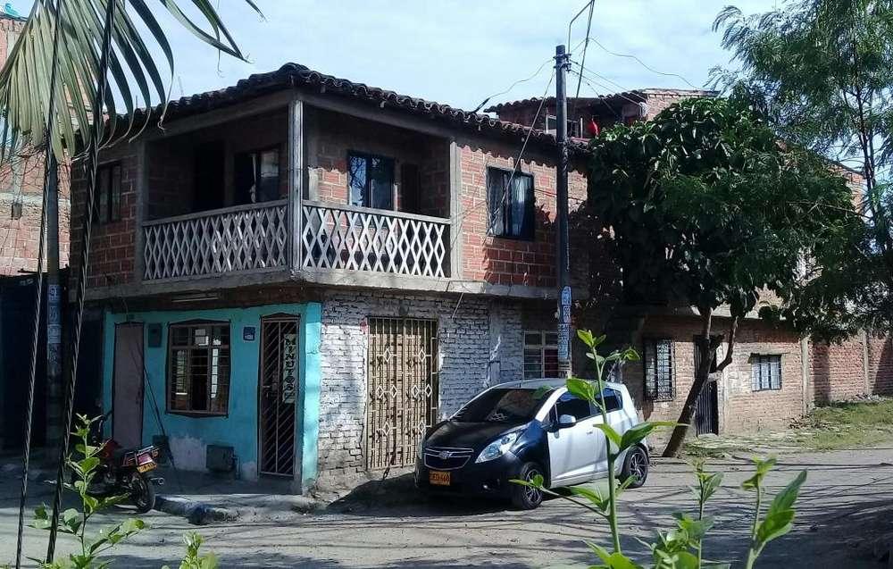 CASA DE 2 PISOS CON 4 <strong>apartamento</strong>S EN POBLADO 2 ESQUINERA