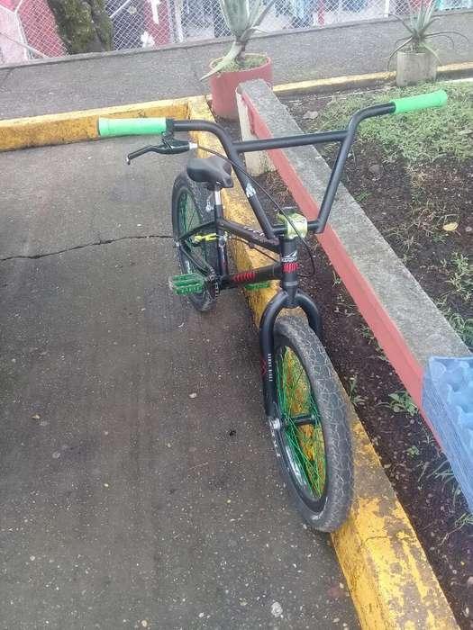 Vendo Bicicleta Opktra 3 Meses de Uso