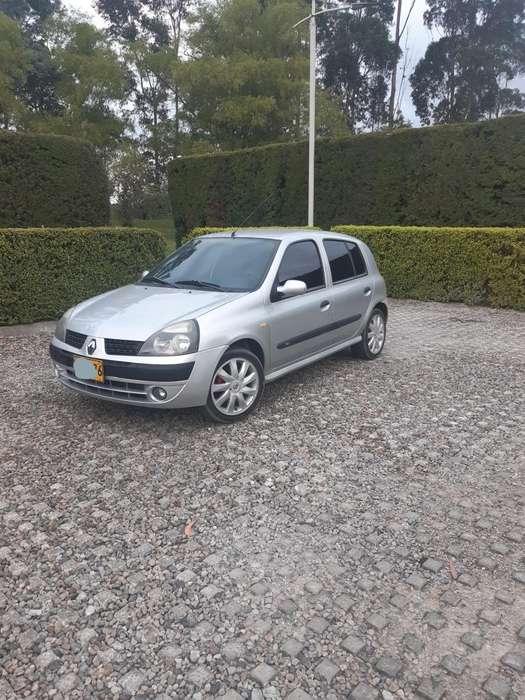Renault Clio  2005 - 164000 km