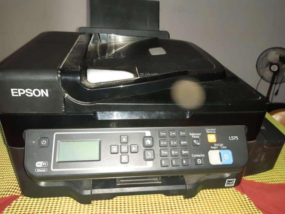 Se Vende Impresora EPSON 2 meses de uso.