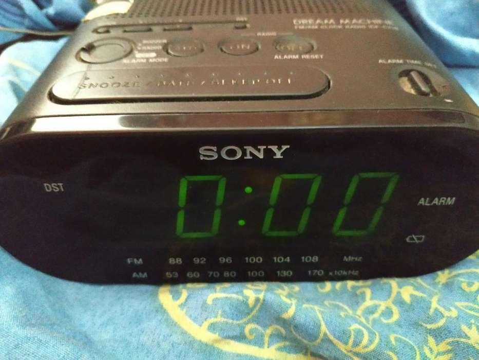 Radio Reloj Sony