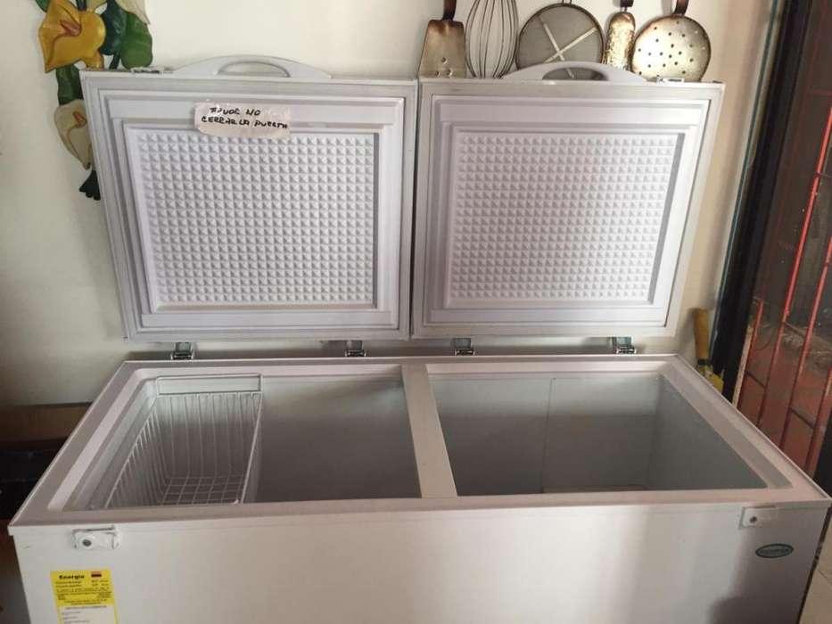 Congelador con un mes de uso ! en excelente estado