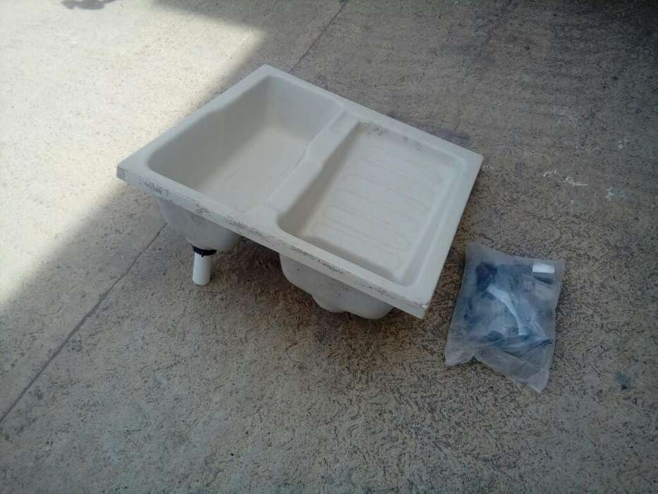 Vendo Lavadero en Fibra