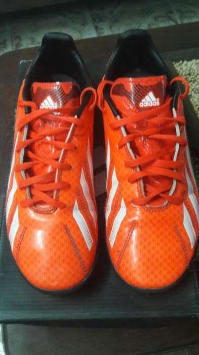 Vendo Botines Adidas Como Nuevo Nro37,5