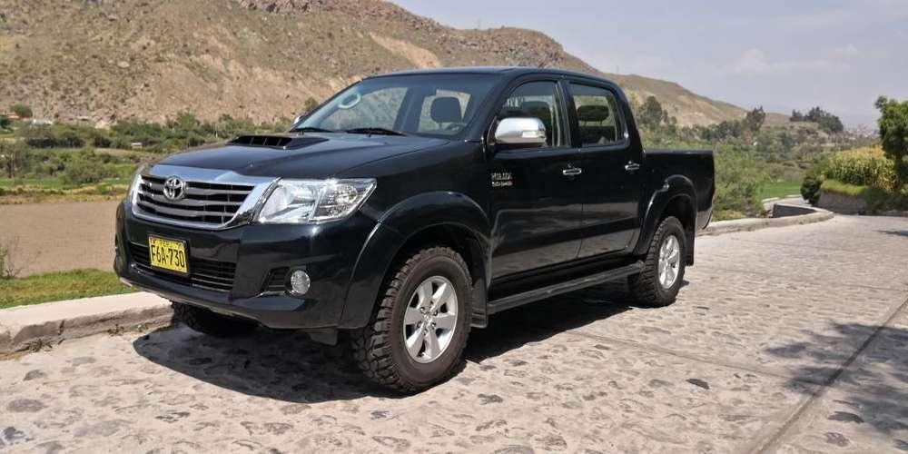 Toyota Hilux 2013 - 99500 km