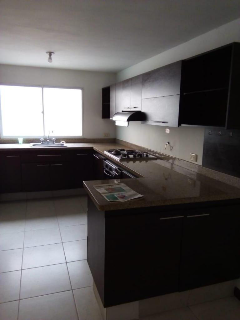 Casa Piso 2 Sector Alcala. Código 875695