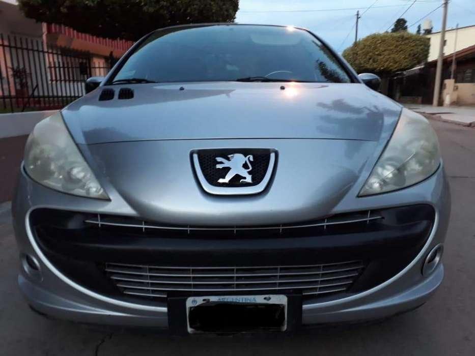 Peugeot 207 Compact 2010 - 100 km