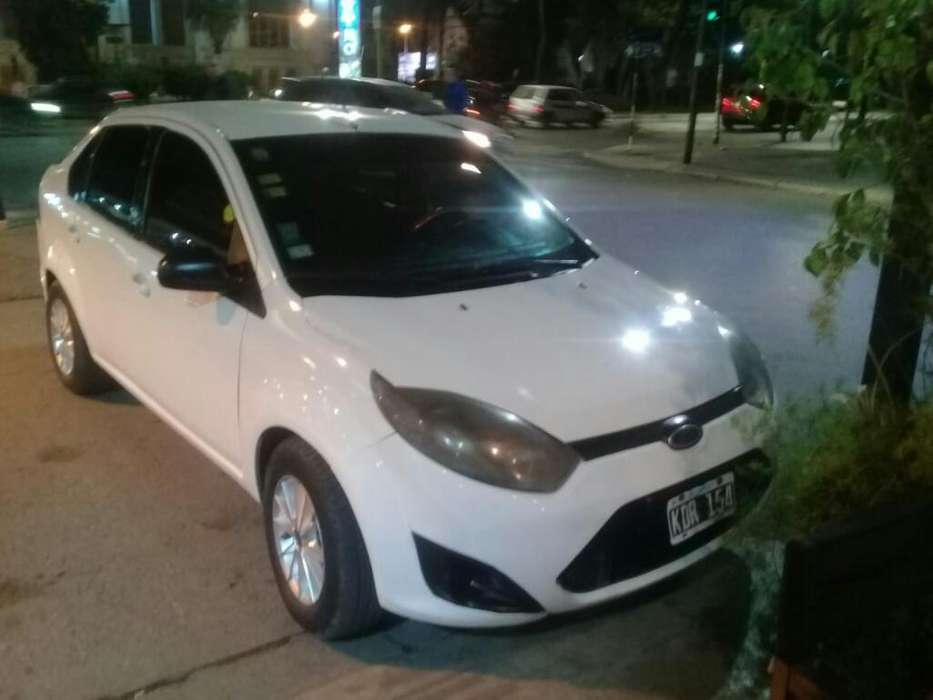 <strong>ford</strong> Fiesta  2011 - 1111111 km