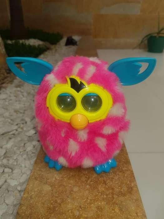 Se vende hasbro Furby boom