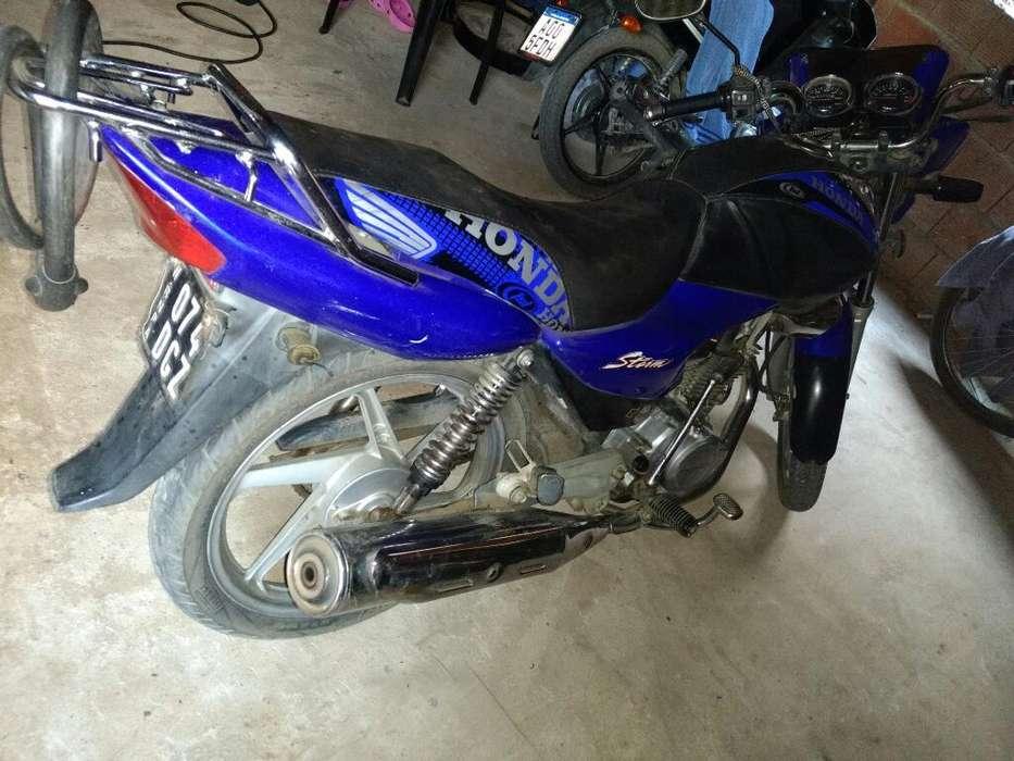 Vendo <strong>moto</strong> Honda Storm