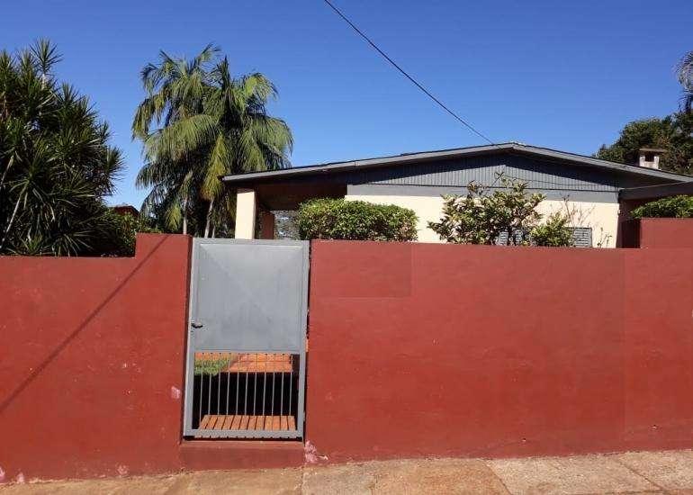Casa en Alquiler, 3 Dormitorios zona/ av. Uruguay y Monteagudo