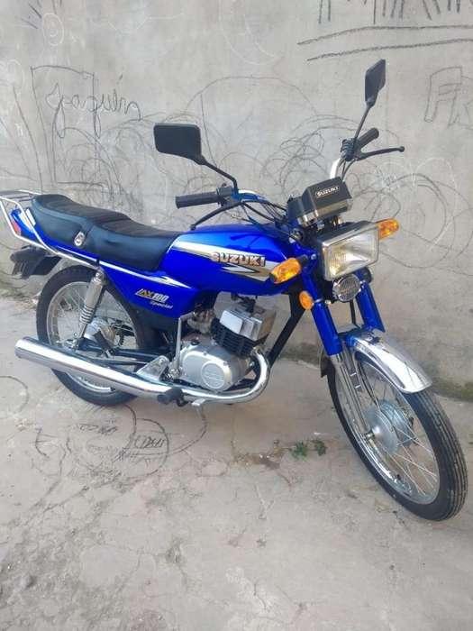 Suzuki ax100 744km