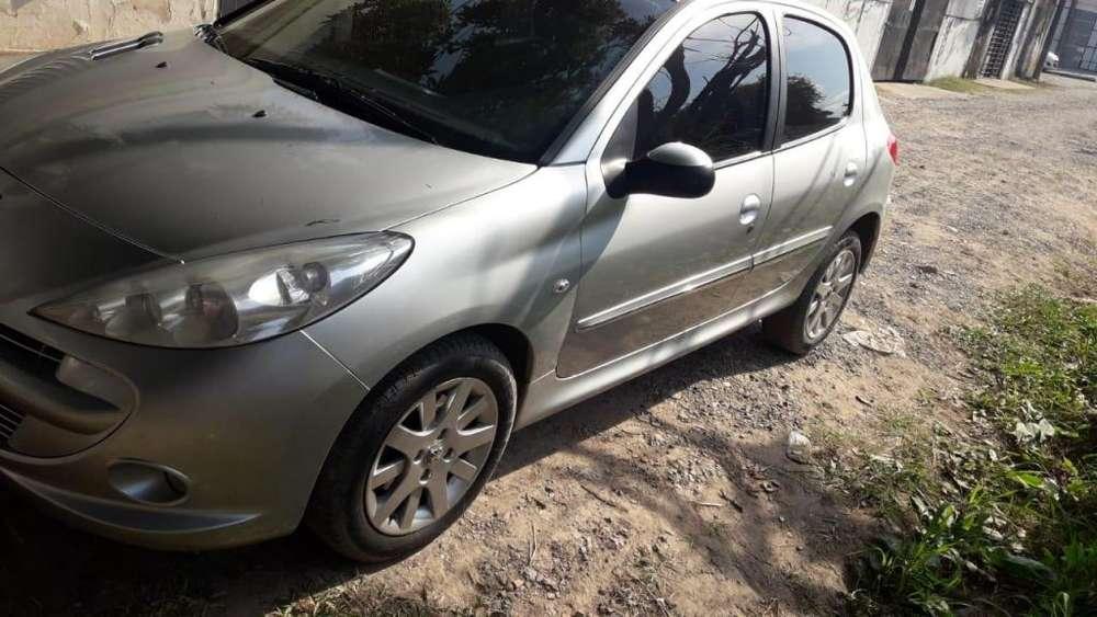 Peugeot 207 Compact 2012 - 103000 km