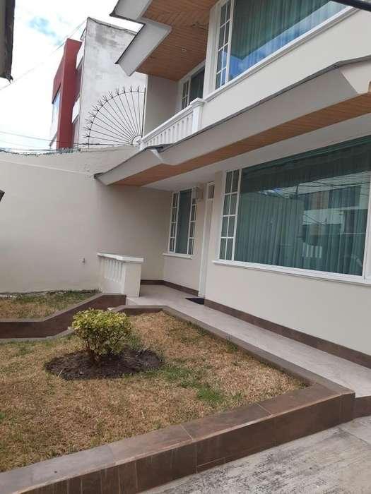 Renta-casa Urbanizacion Lomas Monteserrin, Sector Ecopark, Campo Alegre, Academia Cotopaxi