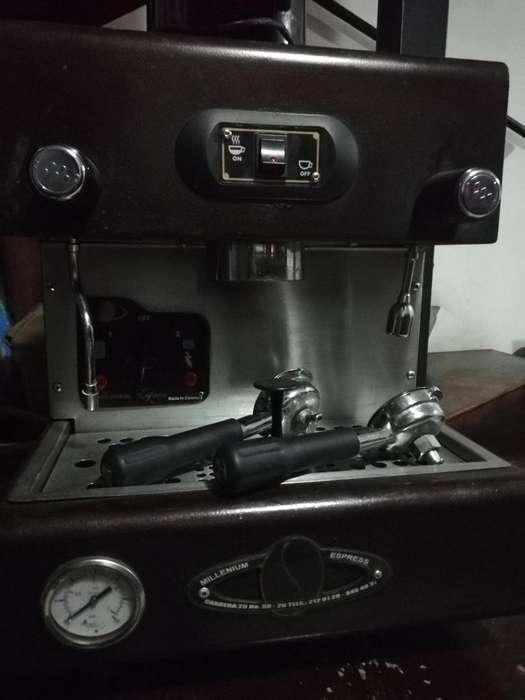 Maquina caf y Molino en venta