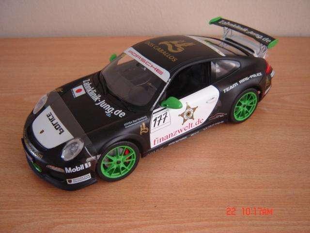 Vendo Porsche 911 GT3 RS escala 1/18