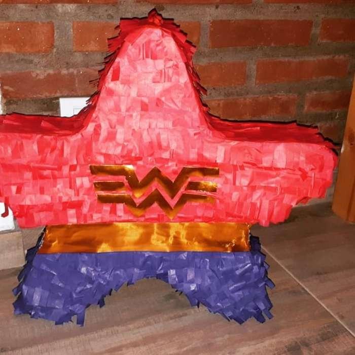Piñata Mujer Maravilla Usada