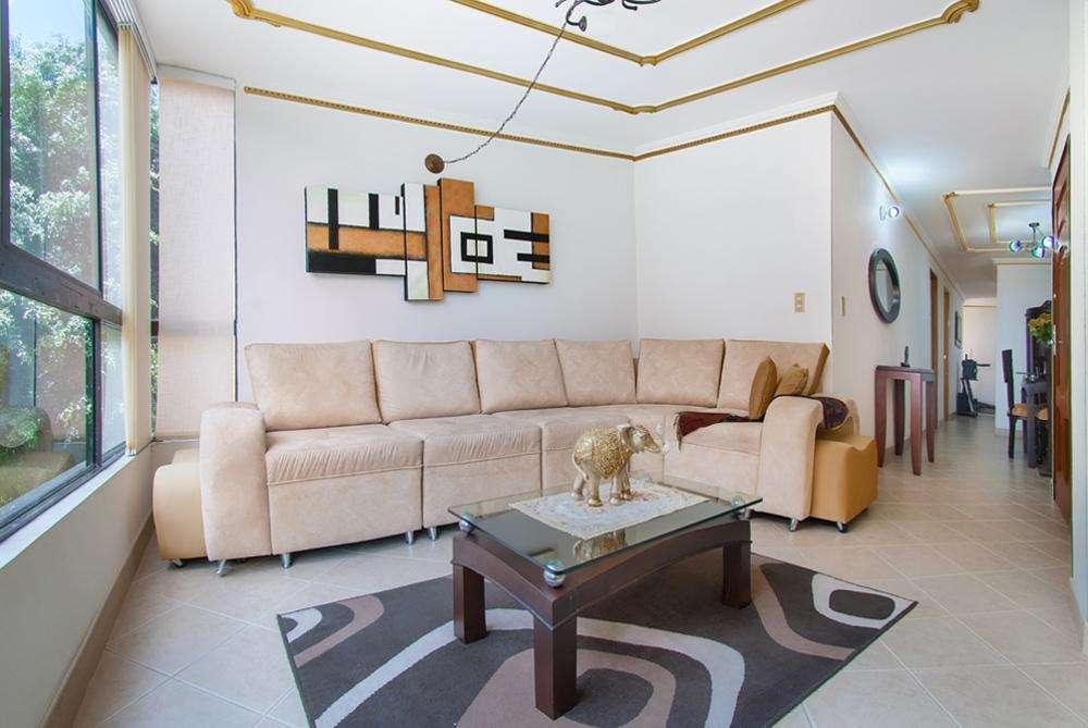 Vendo <strong>apartamento</strong>100m2 excelente, remodelado iluminado p4 en Laureles