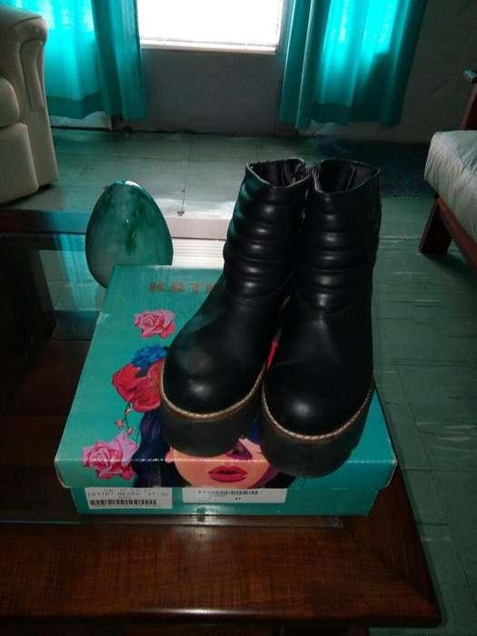 Botas de Cuero N 37