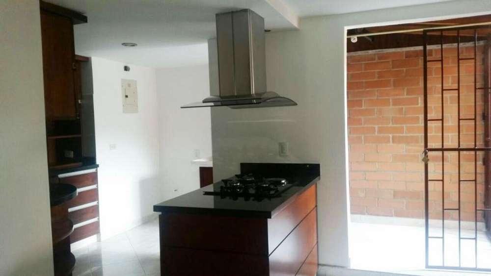 Apartamento Piso 1 Sector La Paz. Código: 823231