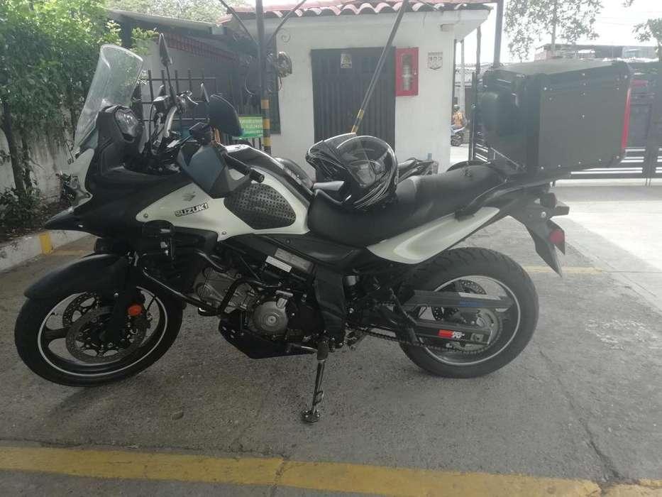 VENPERMUTO ESPECTACULAR MOTO V-STROM 650