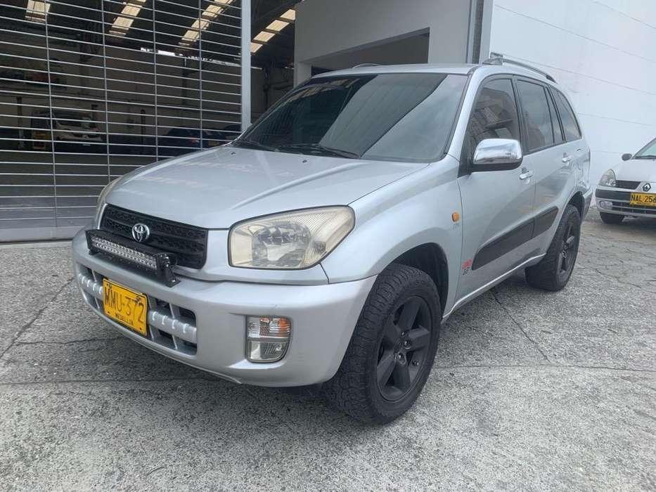 Toyota RAV4 2002 - 262400 km